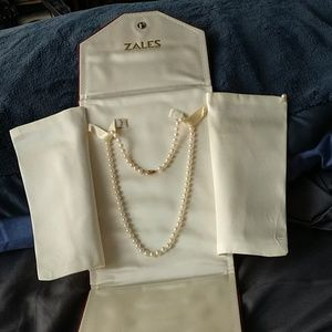 Vintage Freshwater Akoy pearl necklace